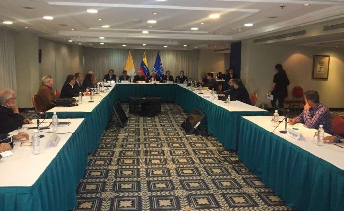 De porqué Zapatero y su combo quieren sentar con el diablo a los demócratas en Venezuela, por Tamara Suju Roa