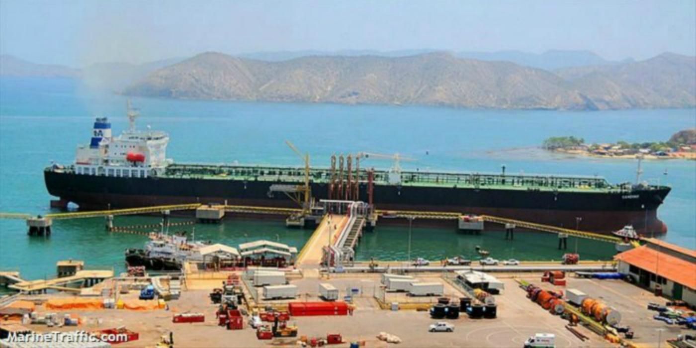 Buques que llevan petróleo venezolano a Cuba navegan en un paraíso fiscal