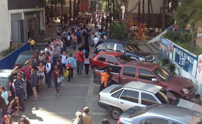 Ciudadanos denuncian que dinero depositado en BCV no ha sido transferido a sus cuentas
