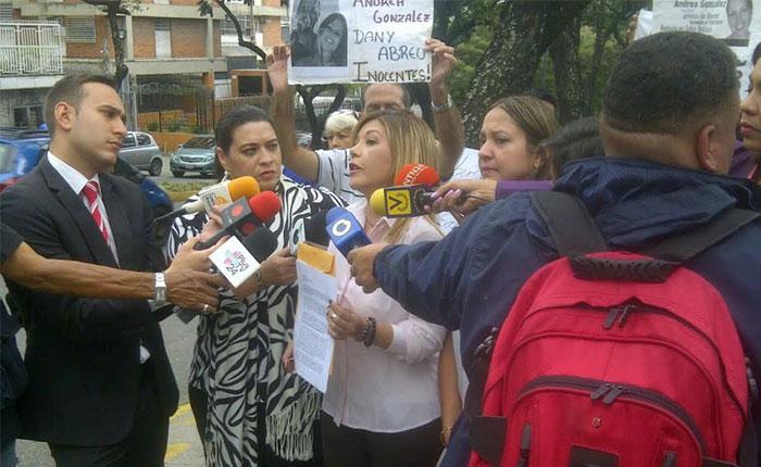 Familiares de presos políticos solicitaron presencia del Nuncio Aldo Giordano en El Helicoide