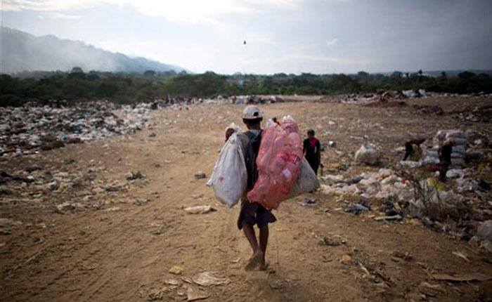 Investigación de AP revela cómo los militares trafican alimentos en época de hambre