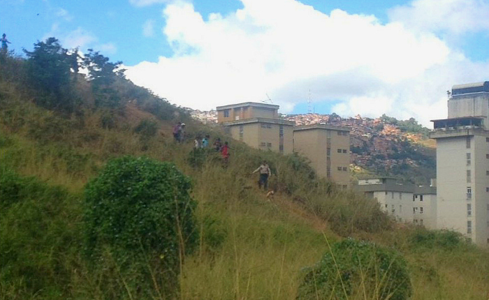 18 niños y tres adultos fueron secuestrados cuando jugaban baloncesto en Montalbán