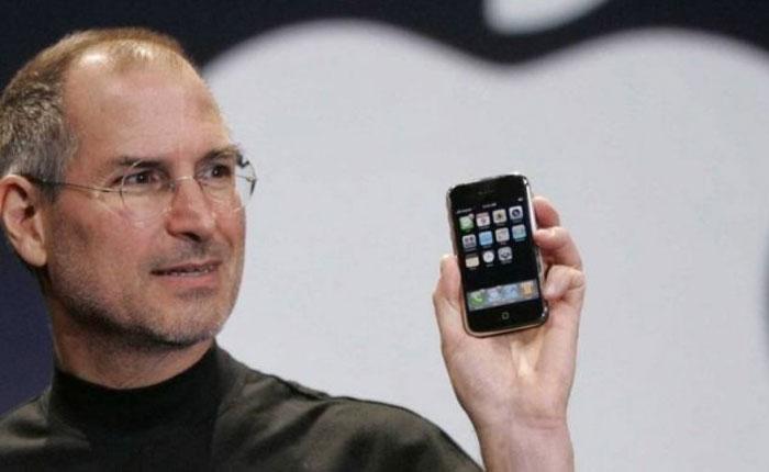 """Diez años del iPhone, el móvil que nació con el objetivo de """"hacer historia"""""""