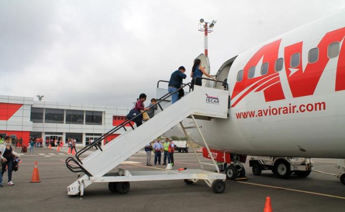 Varados en Navidad: oferta de vuelos nacionales se desplomó 76% en comparación con 2016