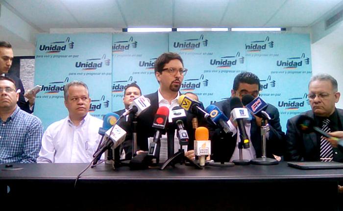 Partidos de la MUD se protegen con compromiso de elecciones primarias y tarjeta unitaria