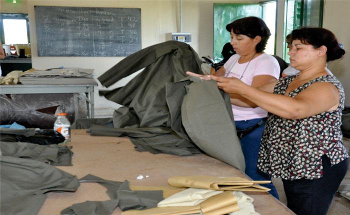Mujeres venezolanas ven el emprendimiento como una forma de salir de la crisis