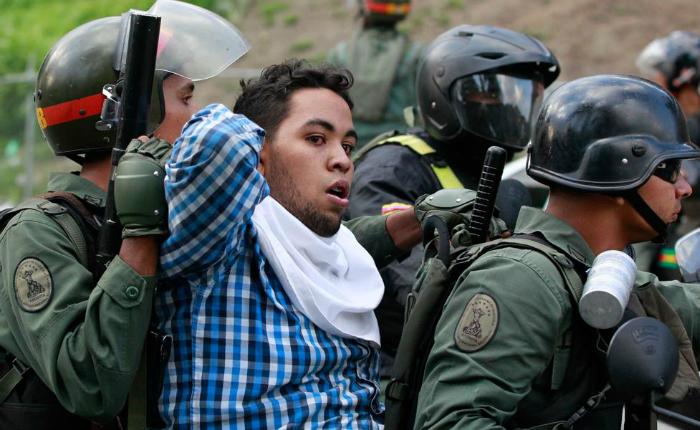 Foro Penal: Van 3.616 detenciones de manifestantes entre el 1 de abril y el 4 de julio