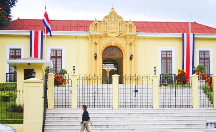Venezolanos podrán hacer uso de su pasaporte vencido en Costa Rica