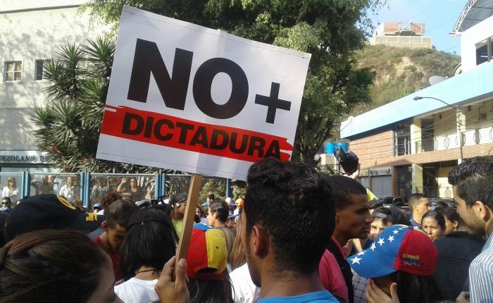 VIDEO y FOTOS Trancaron la Panamericana por el asesinato de Jairo Ortiz