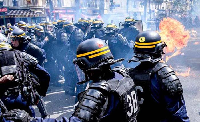 París: Fuertes enfrentamientos entre policías y manifestantes durante la marcha del 1 de mayo