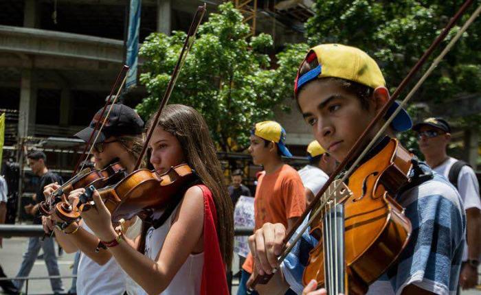 Marcha-musicos-Miguel-Gutierrez2