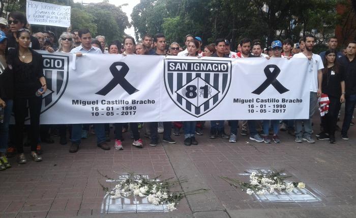FOTOS - Salieron a caminar su dolor en homenaje a Miguel Castillo