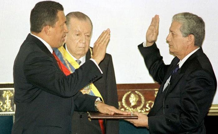 Militarismo universal y secreto, por Ibsen Martínez
