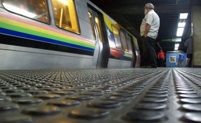"""Metro de Caracas cerró cinco estaciones """"en resguardo de usuarios"""""""