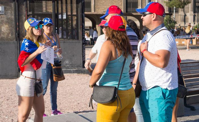 2.800 venezolanos habían votado en las primeras dos horas de plebiscito en Madrid
