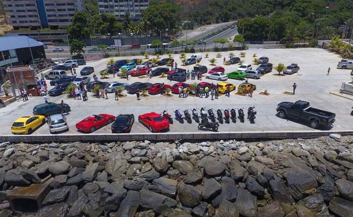 Ferraris en la Caracas - La Guaira: Rápidos y furiosos no. Rápidos y socialmente responsables