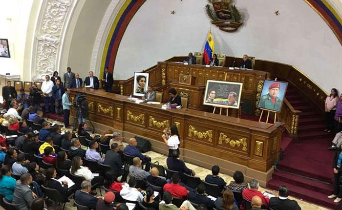 Los gobernadores proclamados se juramentan únicamente ante los C.L.E., por Juan Manuel Raffalli