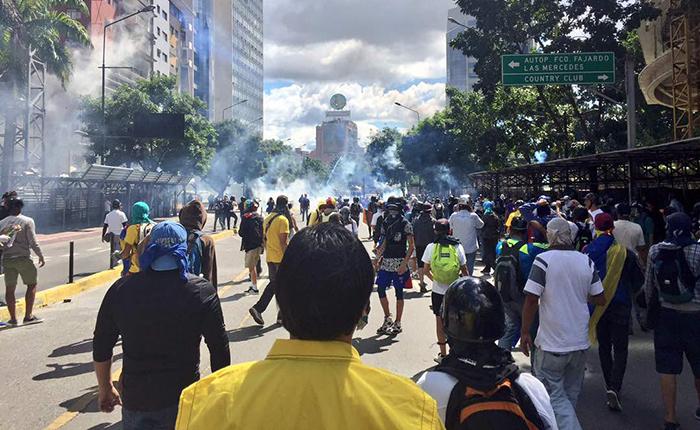 Represión de la PNB y GNB no permitió a nadie marchar este viernes #4Ago