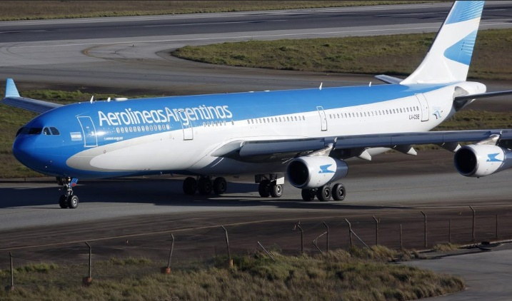 """Aerolíneas Argentinas suspendió vuelos a Venezuela """"por precaución"""""""