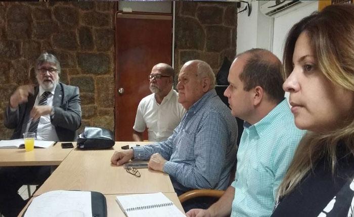 Diputados se reunieron con expertos para analizar