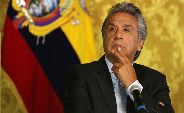 Presidente de Ecuador pidió la renuncia de todo su gabinete