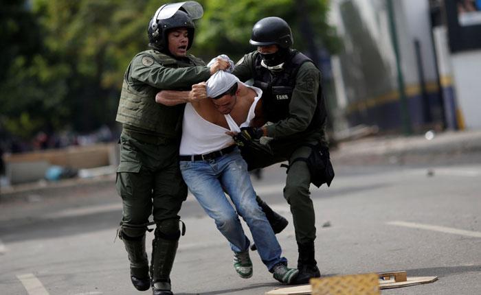 Represión, torturas y dictadura, por Carlos Nieto Palma