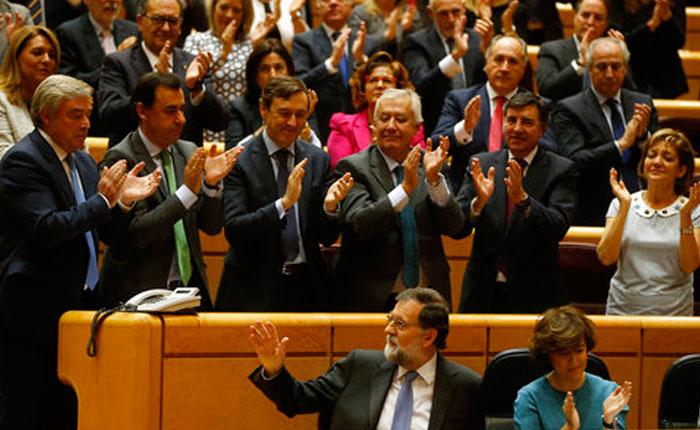 Parlamento catalán declara la independencia de la región
