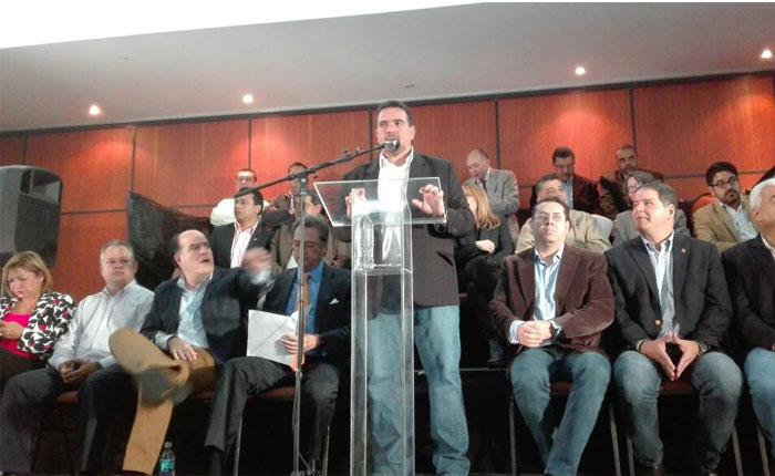Políticos y sociedad civil conforman comisión opositora para diálogo en República Dominicana