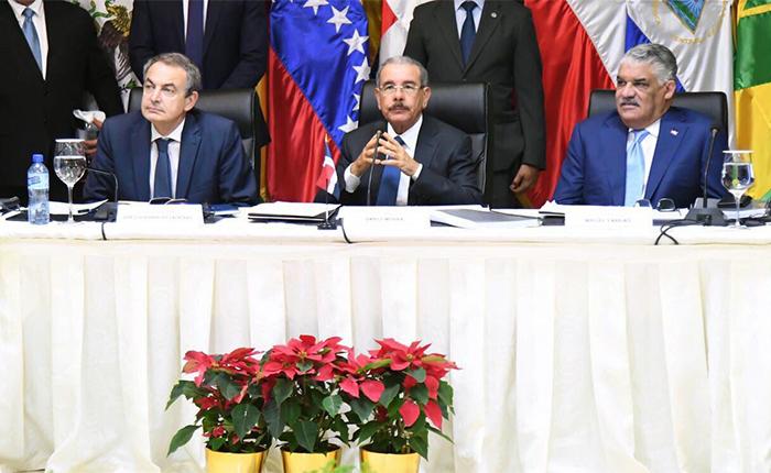 Por qué las negociaciones de gobierno y oposición en Dominicana son diferentes a las anteriores
