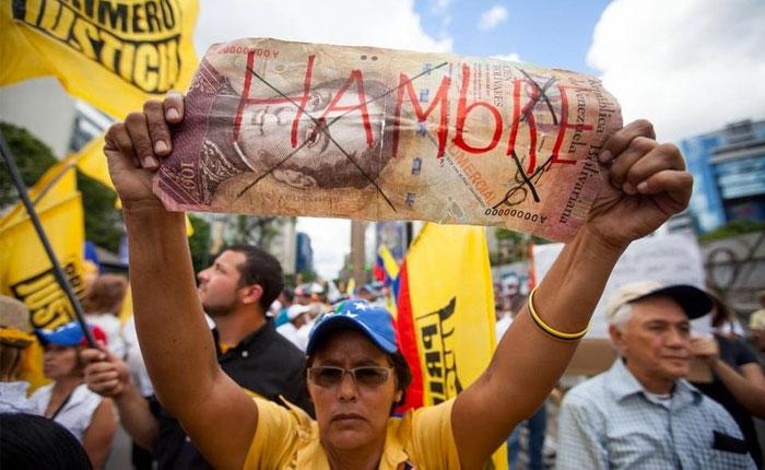 Venezolanos comienzan el 2018 preocupados por los efectos del nuevo aumento salarial