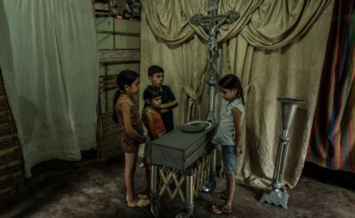 Niños mueren de hambre mientras Venezuela colapsa: investigación de The New York Times