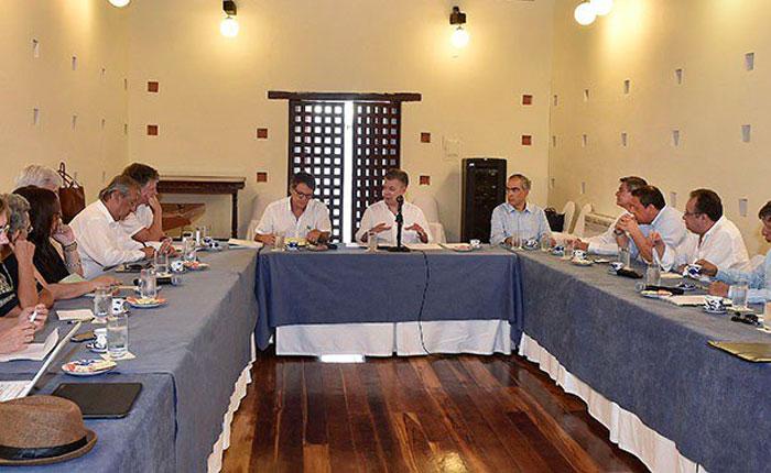 Colombia retoma diálogo de paz con ELN y espera extender cese al fuego