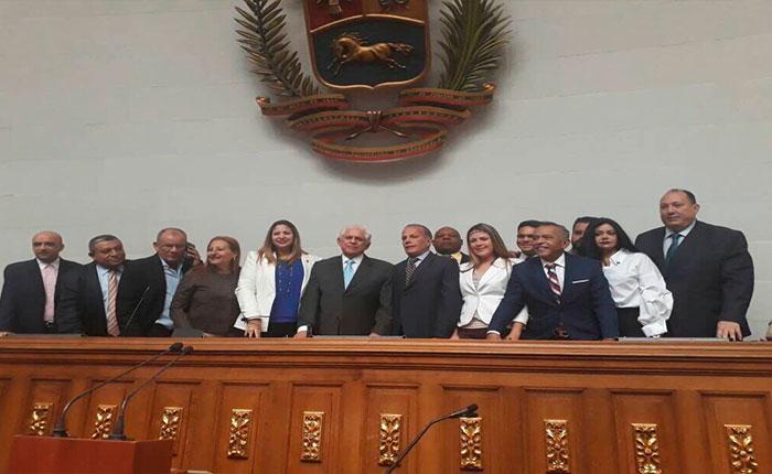 Sin oro, incienso ni mirra llegó UNT a la Asamblea Nacional