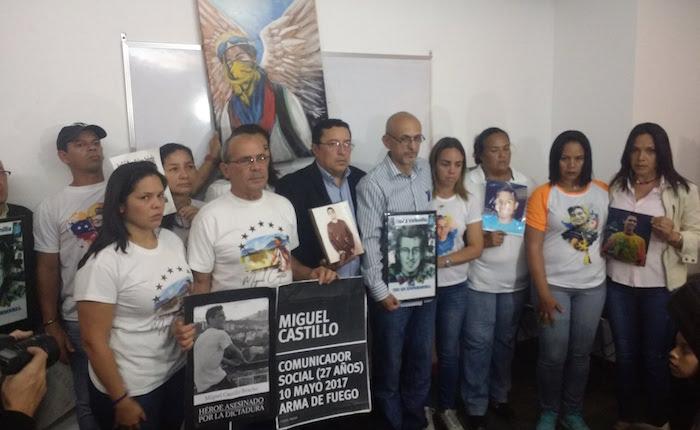 Padres de jóvenes asesinados en protestas denuncian cadena de irregularidades en investigaciones