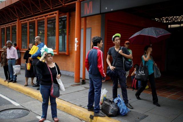 Metro de Caracas sigue sin servicio por fallas en suministro eléctrico