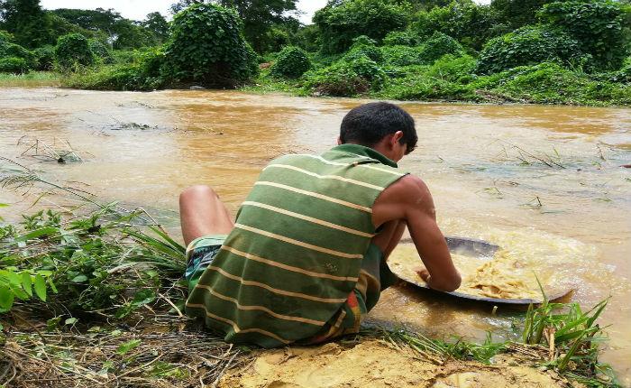 Líder indígena entre los 6 muertos de nueva matanza minera en Bolívar
