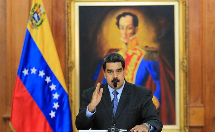 Maduro devalúa 95,8 % la moneda con su plan de