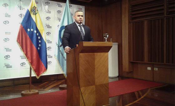 """Tarek William Saab acusa a Guaidó de ser autor intelectual de una """"trama de corrupción"""" en Colombia"""