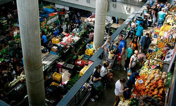 León Arismendi: Poder de compra no se recupera con aumentos salariales