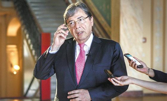 Canciller de Colombia rechaza posible adelanto de elecciones parlamentarias