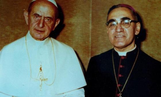 El papa Francisco proclama santo al arzobispo Oscar Romero, la voz de los pobres