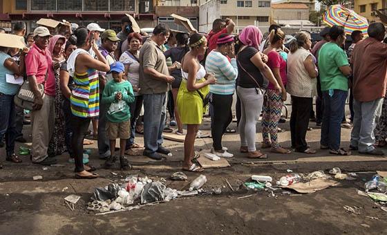 AI: Entre colas y escasez, derecho a la alimentación vulnerado en Venezuela