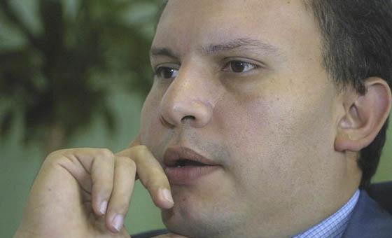 Abogados de Nervis Villalobos desconocen solicitud de extradición de Venezuela