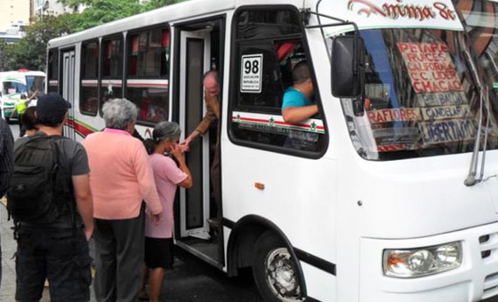 Transportistas cobrarán el pasaje en Bs 700 a partir del 1 de julio