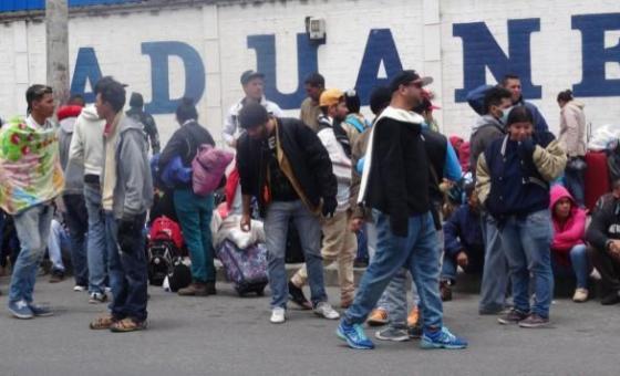 Venezolanos sin visa podrán solicitar naturalización en Ecuador
