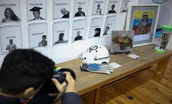 """Inauguran exposición sobre """"torturas, asesinatos y presos políticos"""" en Venezuela"""