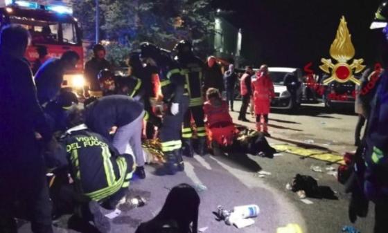 Estampida en discoteca de Italia: al menos 6 muertos y decenas de heridos