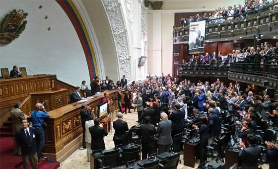 Diputados de la Asamblea Nacional se reúnen con comisión enviada por Bachelet
