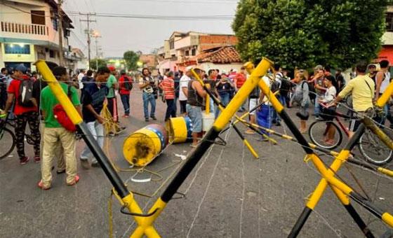 [VIDEO] Diputado denuncia que grupos armados se enfrentan en frontera colombo-venezolana