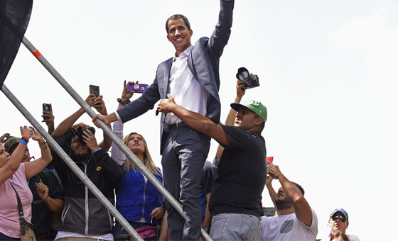 De cómo Juan Guaidó ha ido asumiendo la presidencia interina